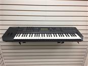 YAMAHA Piano/Organ MOX6